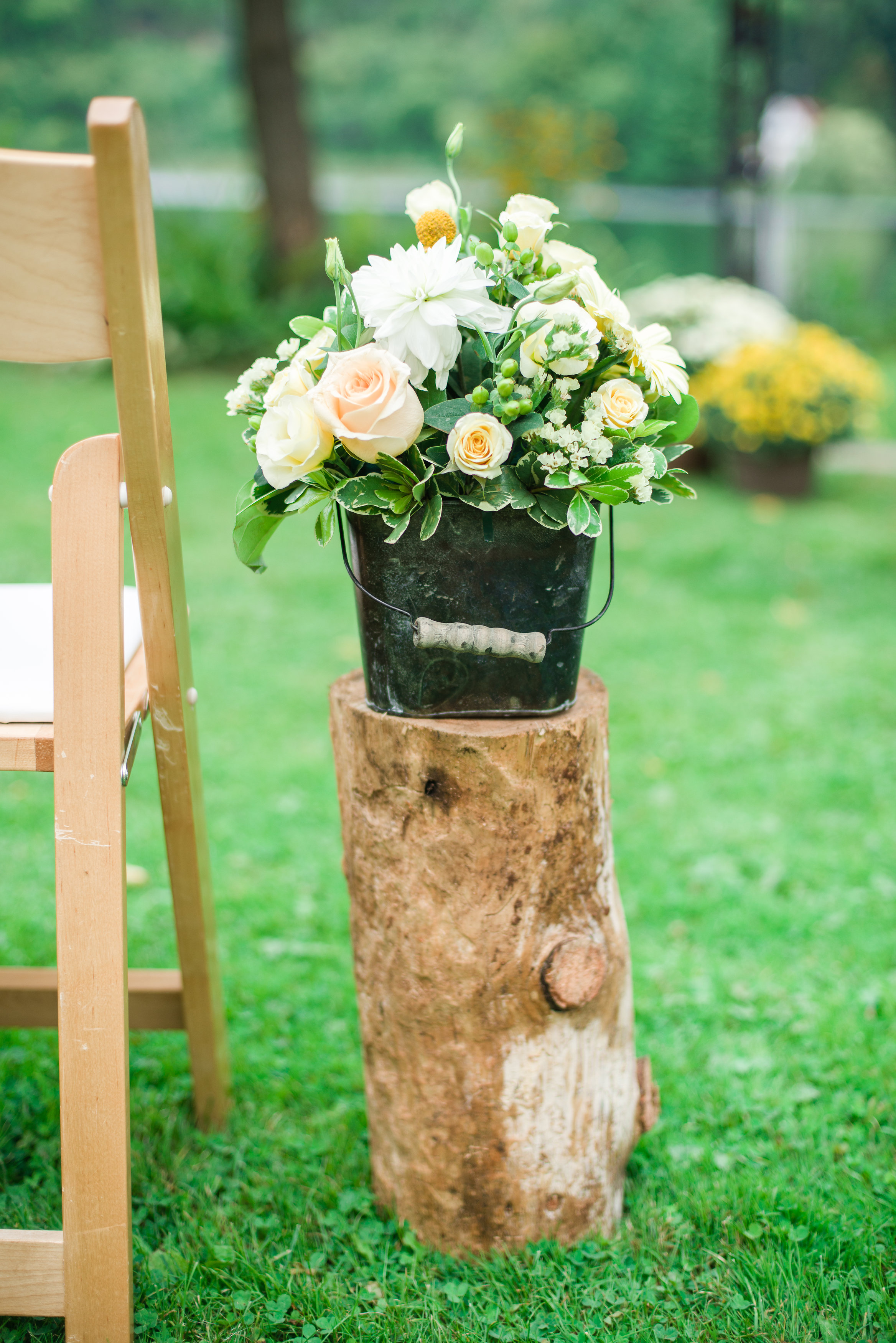 Heirloom-Events-and-Decor-Ottawa-Wedding-Decor-Metal-Bucket