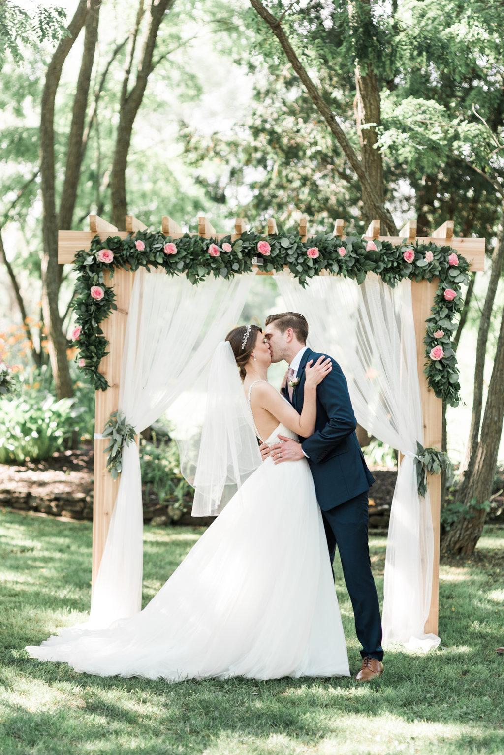 C&S - Summer Wedding at Stonefields - Ottawa Wedding Planner - 34