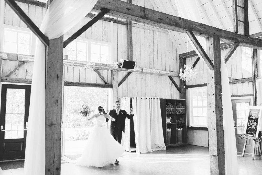 C&S - Summer Wedding at Stonefields - Ottawa Wedding Planner - 24